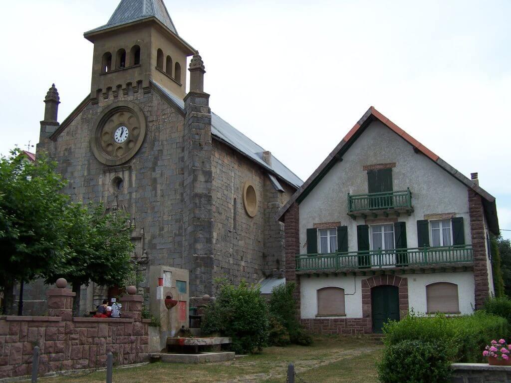 Iglesia de San Nicolás de Bari en Auritz Burguete