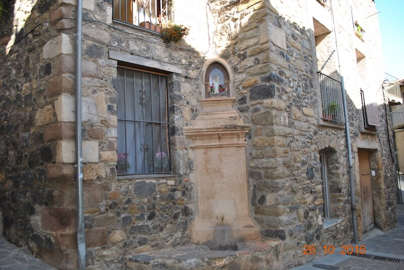 Calle Mayor de Castellfollit de la Roca