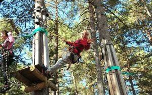 Excursión por los Arboles en el Parque Aventura de la Molina