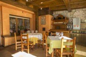 Restaurante los Pirineos en Castejón de Sos