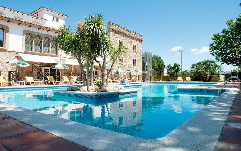 Hotel Castell Blanc en Empuriabrava