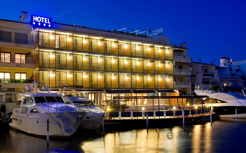 Hotel Port Salins en Empuriabrava