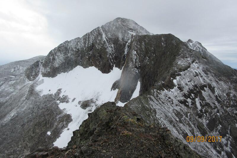 Vistas al Posets y Glaciar Paúl