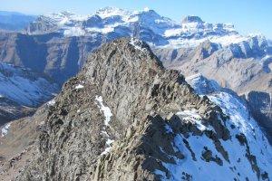 Descenso por la Cresta La Munia