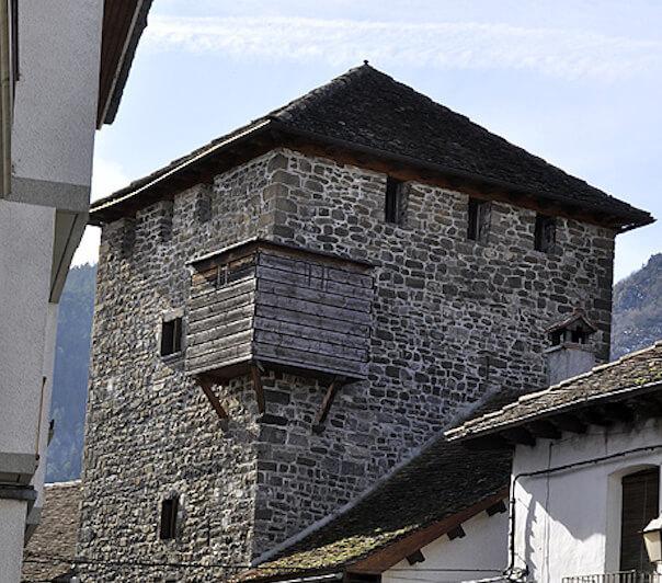 Casa torre medieval de Ansó