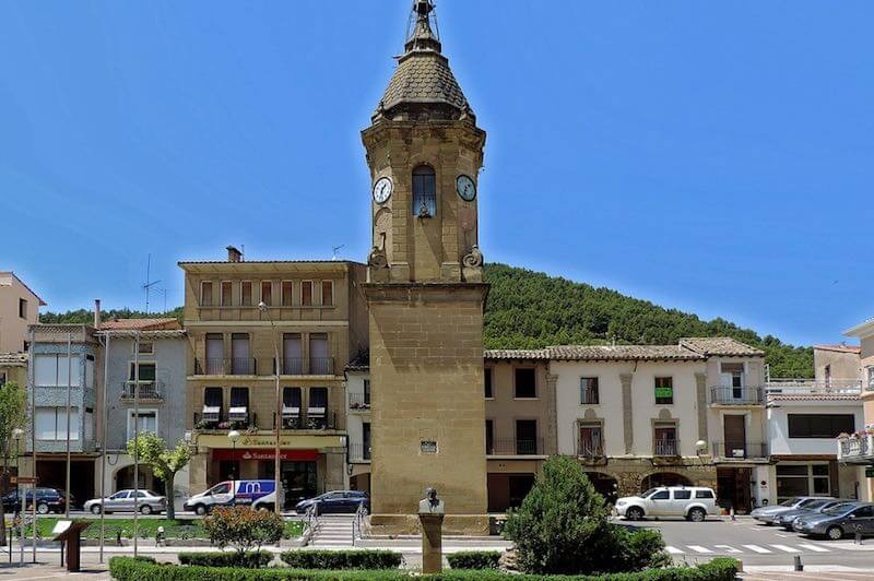 Torre del Reloj de Ayerbe pueblo