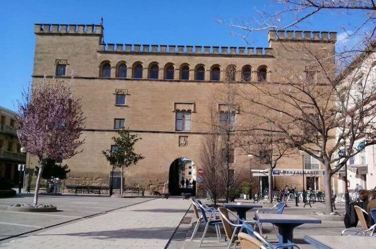 Palacio de los Marqueses de Ayerbe pueblo de la Hoya de Huesca