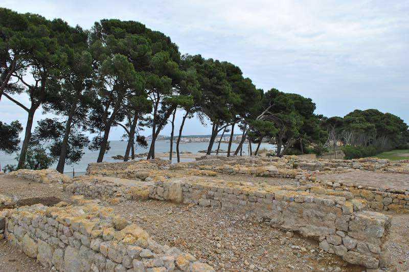 Ruinas griegas l'escala