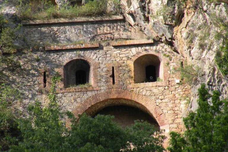 Cueva de la Bastera
