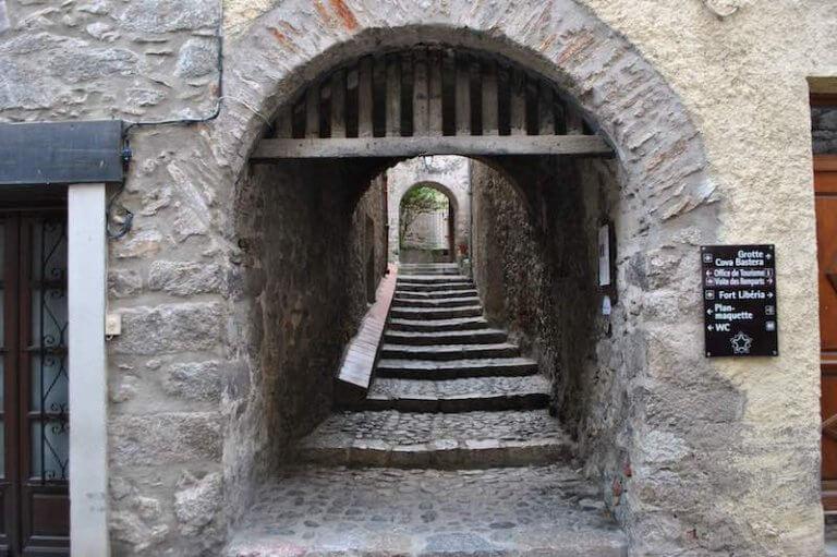 Entrada Cova Bastera