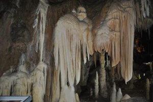 Primeras Estalactitas Grotte des Canalettes