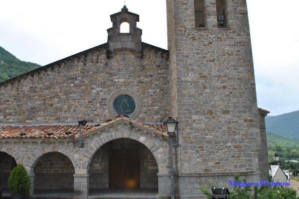 Iglesia de Biescas